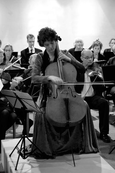 Cello solo met orkest Mirjam Daalmans, celliste